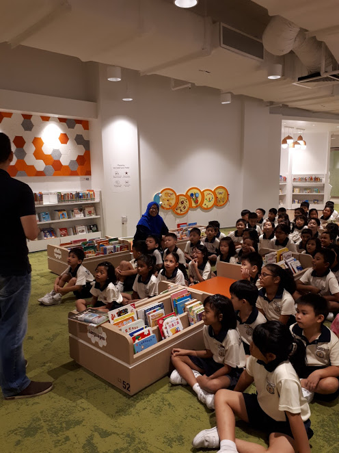Tour in the new library in the Bedok Heartbeat.jpg
